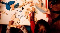 Objetos de brincar fazendo oque fazemos de melhor! Brincar livre, com design, de madeira, feito com amor! Design, Wooden Toy Plans, Mockup, Objects, Design Comics