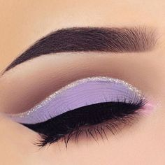 ✨ Glitter cut crease by @swetlanapetuhova  #makeupaddictioncosmetics
