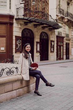 Le jean le plus confortable que j'ai jamais porté ! — Mode and The City Sandro, Fashion Beauty, Girl Fashion, Womens Fashion, Jean Parfait, Mode Bcbg, French Girl Style, Fall Outfits, Preppy Outfits