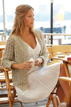 Crochet Cardigan free pattern, in Dutch, English, French and German