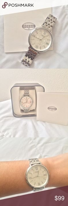 Fossil Women's Watch Beautiful silver fossil women's watch! Only been worn a couple of times, and it is in perfect condition! Fossil Accessories Watches