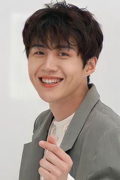 Korean Male Actors, Actors Male, Handsome Korean Actors, Korean Celebrities, Asian Actors, Actors & Actresses, Kim Son, Hoe, Ahn Hyo Seop
