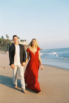 Photography: Lane Dittoe - lanedittoe.com   Read More on SMP: http://www.stylemepretty.com/california-weddings/2015/03/10/romantic-laguna-beach-engagement/