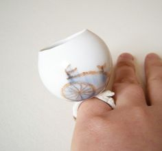 Mi Kyung Lee - ES Porcelain Ring Bicycle