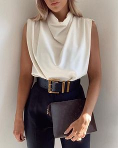 Latest Fashion Clothes, Fashion Dresses, Outfit Chic, Ruffles, Tops Online Shopping, Looks Style, Womens Fashion Online, Fashion Stylist, Pattern Fashion