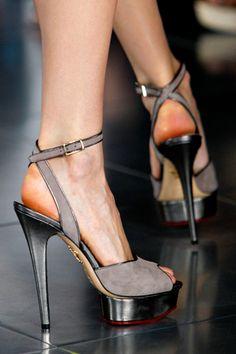 Charcoal heels on the runway.  For more style inspiration visit the elizabethJEAN design blog www.elizabethjean.com.au/blog/