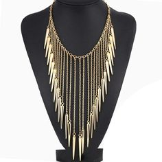Collier Plongeant via Necklace's Store. Click on the image to see more!