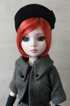 Ellowyne Wilde-A very cute pillbox hat
