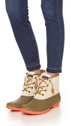 Classic Sperry duck booties with canvas trim and cozy microfleece lining. Don't sacrifice style for warmth!
