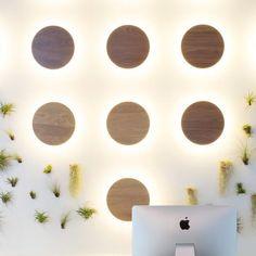 Applique murale contemporaine / en bois / en aluminium anodisé / en acrylique RADIENT WALNUT : RA-S3 Rich Brilliant Willing