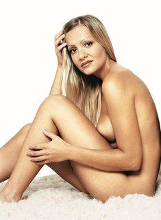 Najškandalóznejšie FOTO šoubiznisu: Nahá Verešová vo vani, exvyvolená Linda v erotickom kvíze a akty Dary Rolins Naha, Playboy, Celebrity, Actresses, Sexy, Instagram, Ships, Boats, Boating