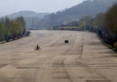 North Korean highway, DPRK - Eric Lafforgue