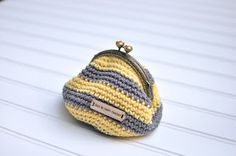 Just be happy!: Coin Purse {Free Pattern}
