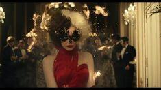 Cruella: Behind Emma Stone's fashion in Disney's 101 Dalmatians prequel | EW.com Comedy Movies On Netflix, Best Screenplay, Cruella Deville, Adrien Agreste, Emma Thompson, Devil Wears Prada, Lady And The Tramp, Harry Potter Memes, Emma Stone