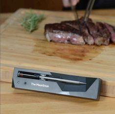 The MeatStick is de eerste slimme, draadlooze vleesthermometer dat zo eenvoudig werkt via de telefoon. In 3 stappen heb je een perfect gegaard gerecht op tafel staan. Plaats de thermometer in je favoriete stuk vlees, stel de klok in via de app op je telefoon en wachten maar tot je vlees ready to eat is! Dankzij de vleesthermometers van The MeatStick is het bereiden van een stukje vlees nog nooit zo eenvoudig geweest. Cooking, Kitchen, Brewing, Cuisine, Cook