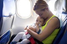 10 objets malins pour voyager avec bébé qui vont vous faciliter la vie
