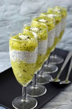 Chiapuding kivivel, almával - Kifőztük Chia Puding, Paleo Dessert, Sweet Desserts, Alcoholic Drinks, Food And Drink, Low Carb, Pudding, Ethnic Recipes, Health