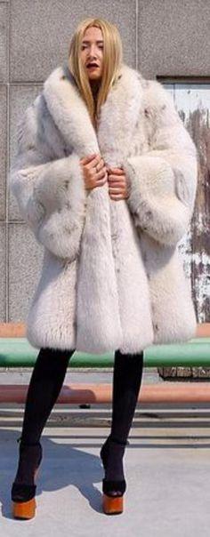 White Fox, Fur Coats, Fur Fashion, Sexy Women, Jackets, Dressing Up, Fur Coat, Boudoir Photography