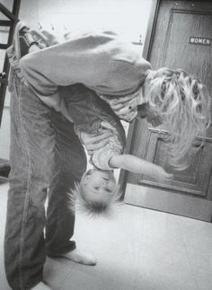 Kurt Cobain and Frances Bean, this made my eyes water...