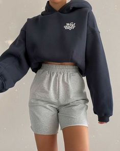 Cute Lazy Outfits, Chill Outfits, Sporty Outfits, Teen Fashion Outfits, Stylish Outfits, Flannel Outfits, Stylish Girl, Vetements Shoes, Mode Adidas