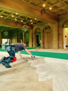 What to do with 400 litres of glue? Carpet our new Salle Baccarat! Nota bene: the green thing is the sublayer. Backstage, Palace, Behind The Scenes, Carpet, Green, Swiss Alps, Luxury, Rug, Rugs