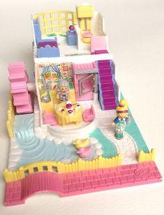 Vintage Polly Pocket Grandma's Cottage 100% Complete. 2 Doll Figures & Tart Tray | eBay