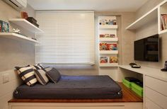 Small bedroom or studio apartment. Home Bedroom, Girls Bedroom, Bedroom Furniture, Bedroom Decor, Bedrooms, Teen Boy Rooms, Teen Boys, Single Bedroom, Small Rooms