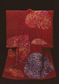 Hollyhock by the Late Japanese textile artist Itchiku form the exhibition,Kimono as Art: The Landscapes of Itchiku Kubota, Canton Museum of Art in Canton, Ohio (February ~AmyLH~. Japanese Textiles, Japanese Patterns, Japanese Fabric, Traditional Japanese Kimono, Japanese Geisha, Art Textile, Textile Artists, Mode Kimono, Kimono Style