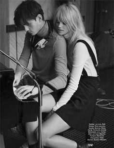 fashion editorials, shows, campaigns & more!: carnaby street: nadine leopold by stefano galuzzi for glamour france september 2014 Fashion Niños, Fashion Couple, Fashion Shoot, Editorial Fashion, Fashion Editorials, Fasion, Flo Costume, Glamour France, Carnaby Street