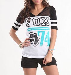 Fox is one of my favorite brands at PacSun! I especially love their football tees. Vintage football jerseys had stripes on the sleeves, a feature I wish jerseys still had today :/