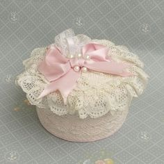 Lace ruffles pink box