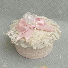 Lace ruffles pink box