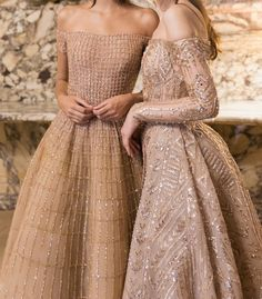 Two gorgeous gowns -- I love the one on the right! Two gorgeous gowns -- I love the one on the right Elegant Dresses, Pretty Dresses, Formal Dresses, Classy Gowns, Long Dresses, Couture Dresses, Fashion Dresses, Fashion Clothes, Beautiful Gowns