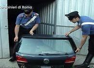 Smontavano e riciclavano pezzi auto lusso: due arresti