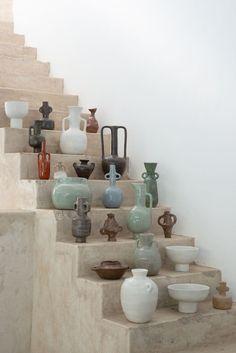 Ceramic Vase, Ceramic Pottery, Pottery Art, Slab Pottery, Thrown Pottery, Pottery Studio, Porcelain Ceramic, Ceramic Flowers, Cerámica Ideas