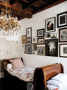 sleigh beds : Family house in Italy Italian Interior Design, Home Interior Design, Interior And Exterior, Modern Interior, Interior Architecture, Sleigh Beds, Living Spaces, Living Room, My New Room