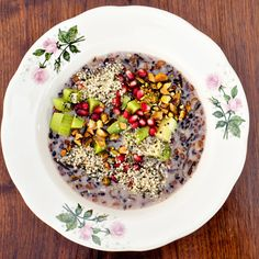 These sweet and savory oatmeal toppings and ideas will revolutionize your breakfast game for the better. Top 10 Healthy Foods, Healthy Crockpot Recipes, Healthy Snacks, Healthy Eating, Healthy Habits, Brunch Recipes, Gourmet Recipes, Breakfast Recipes, Breakfast Options