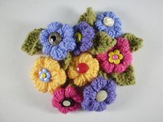 This is the eleventh in a series of twelve linked patterns for a knitted wreath, to be published daily in December 2013.