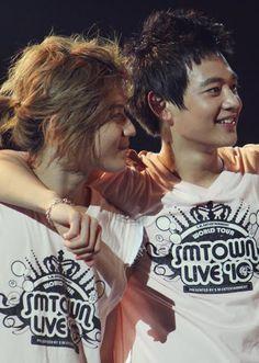 2min. Love Minho and Taemin, so I definitely love this couple :)