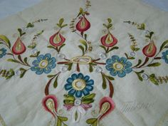 Hand Embroidery, Model, Needlepoint, Manualidades, Drawings, Embroidery, Scale Model, Models