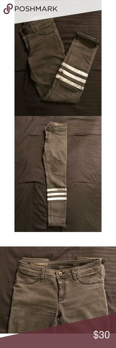 """DL 1961 grey jeggings DL 1961 """"emma"""" style jeans. Super stretchy & comfortable! Great condition. I am 5'8"""" & they stop above my ankles. Price not negotiable / no trades DL1961 Jeans Skinny"""