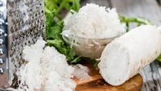 Horseradish is one of the six symbolic foods on the Passover Seder plate — bitter herbs to symbolize the bitterness of slavery. Don\'t let that leftover horseradish go to waste! Here are seven recipes to put it to good use. Passover Seder Plate, Fresh Horseradish, Feta, Great Recipes, Herbs, Cheese, Bitterness, Friday, Foods