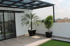 More than 20 terrace ideas you can do on your rooftop Rooftop Terrace Design, Rooftop Patio, Terrace Garden, Terrace Ideas, Outdoor Kitchen Patio, Outdoor Decor, Ideas Terraza, Home Deco, Garden Design