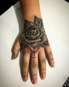 50 Inspirational Hand Tattoos For Women * Page 7 of 13 Tribal Hand Tattoos, Herren Hand Tattoos, Mandala Hand Tattoos, Side Hand Tattoos, Small Hand Tattoos, Hand Tattoos For Guys, Finger Tattoos, Hand Tats, Triangle Tattoos