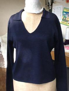 Maglia blu in pura lana!!!!! Collo a V con colletto Altre misure su ordinazione € 60.00