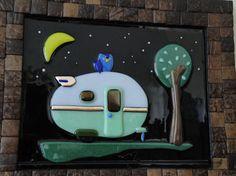 Vintage lágrima caravana con búho en la noche fusionado vidrio Camper Art Frame