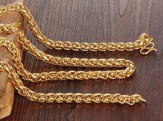 A Gold Chain for Men Makes The Perfect Gift - Jewelry Daze Gold Chains For Men, Mens Chains, Jewelry Gifts, Jewelery, Jewelry Ideas, Men Necklace, Gold Necklace, Gold Chain Design, Metal Jewelry