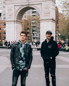 Chainsmokers, Nothing But The Beat, Andrew Taggart, Leather Jacket Outfits, Leather Jackets, Edm, Leather Men, Bomber Jacket, Winter Jackets