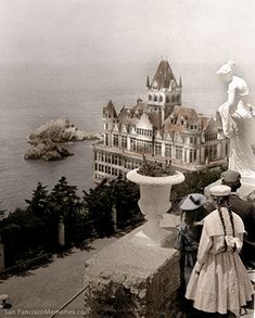 San Francisco – Cliff House  This one burned down and now a replacement in same location   Vintage circa 1905