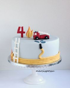 Marsispossu: Paloautokakku Fire truck cake Volvo Vehicles does have it's head office within Sweden Firefighter Birthday Cakes, Truck Birthday Cakes, Fireman Birthday, Fireman Party, Fire Cake, Fire Truck Cakes, Fire Engine Cake, Fireman Sam Cake, Fire Fighter Cake